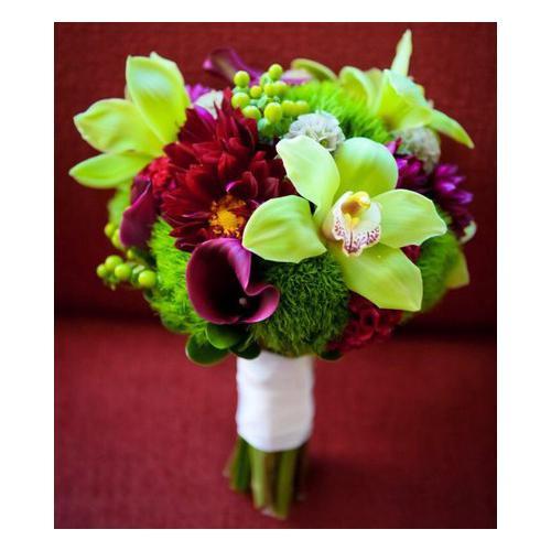 Орхидеи, каллы, гвоздики и хризантемы