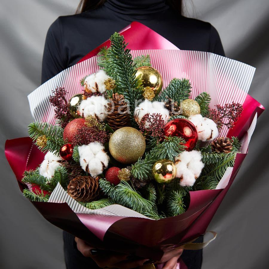 Конфет, букет из 101 розы с доставкой в москве дешево